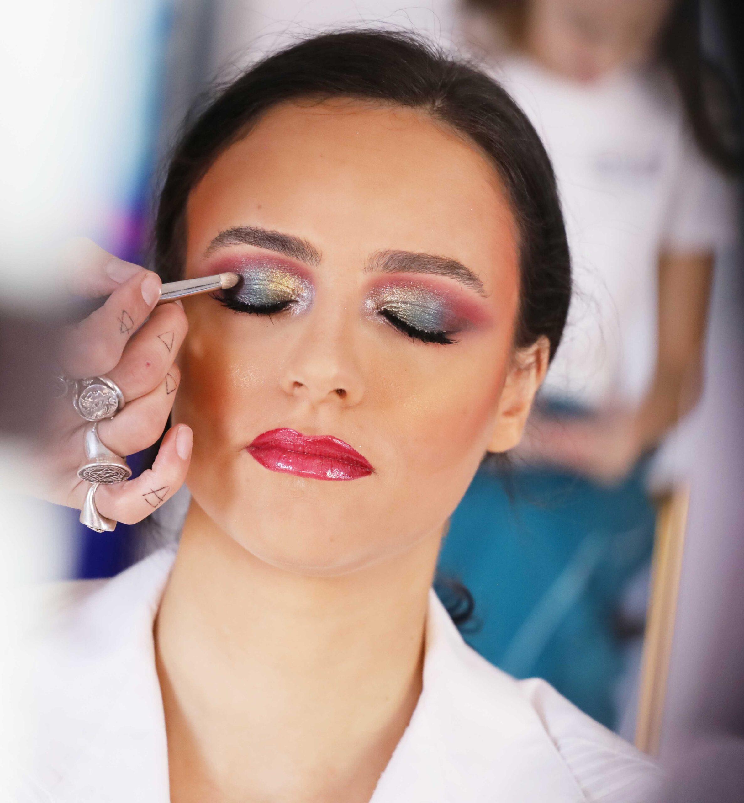 Makeup – Artist