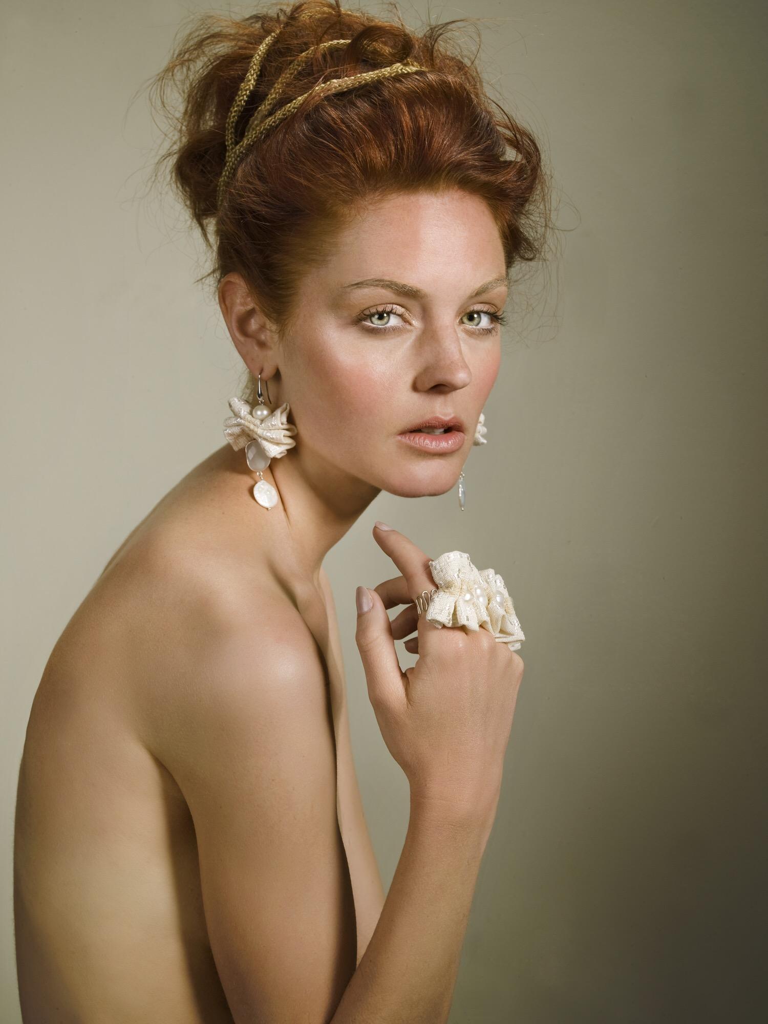 Sensibilità, stile e tecnica creativa. Il gioiello Trapasso: amore per la natura e il recupero delle tradizioni.